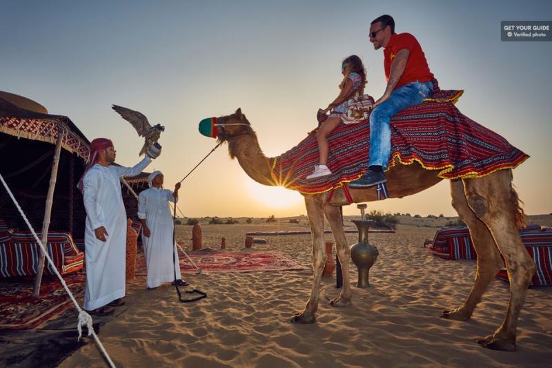 Dans le désert aux environs de Dubaï
