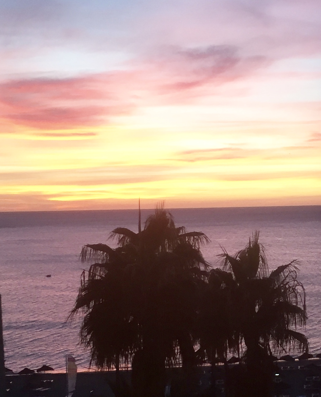 Le soleil se lève sur Sol Timor...