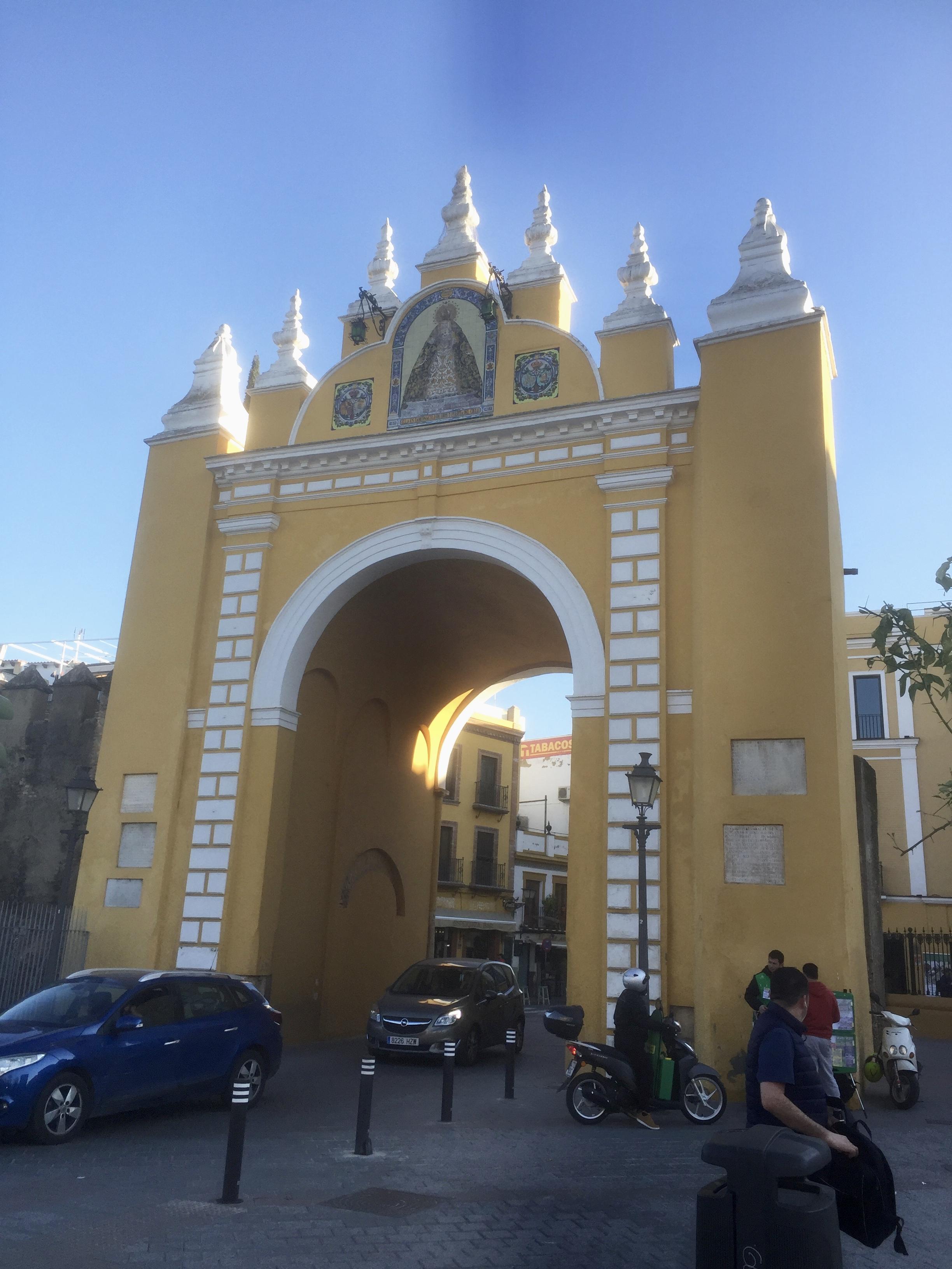 L'Arc de la Macarena, une des portes d'entrée dans la vieille ville