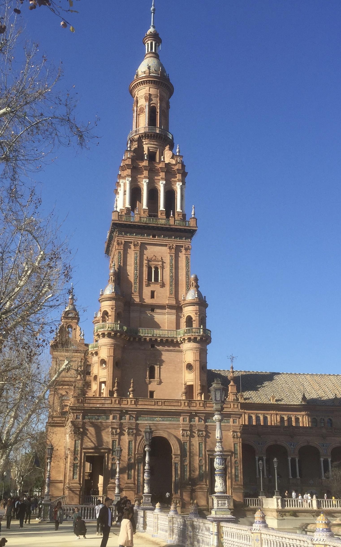 Place d'Espagne, tour nord du Palais