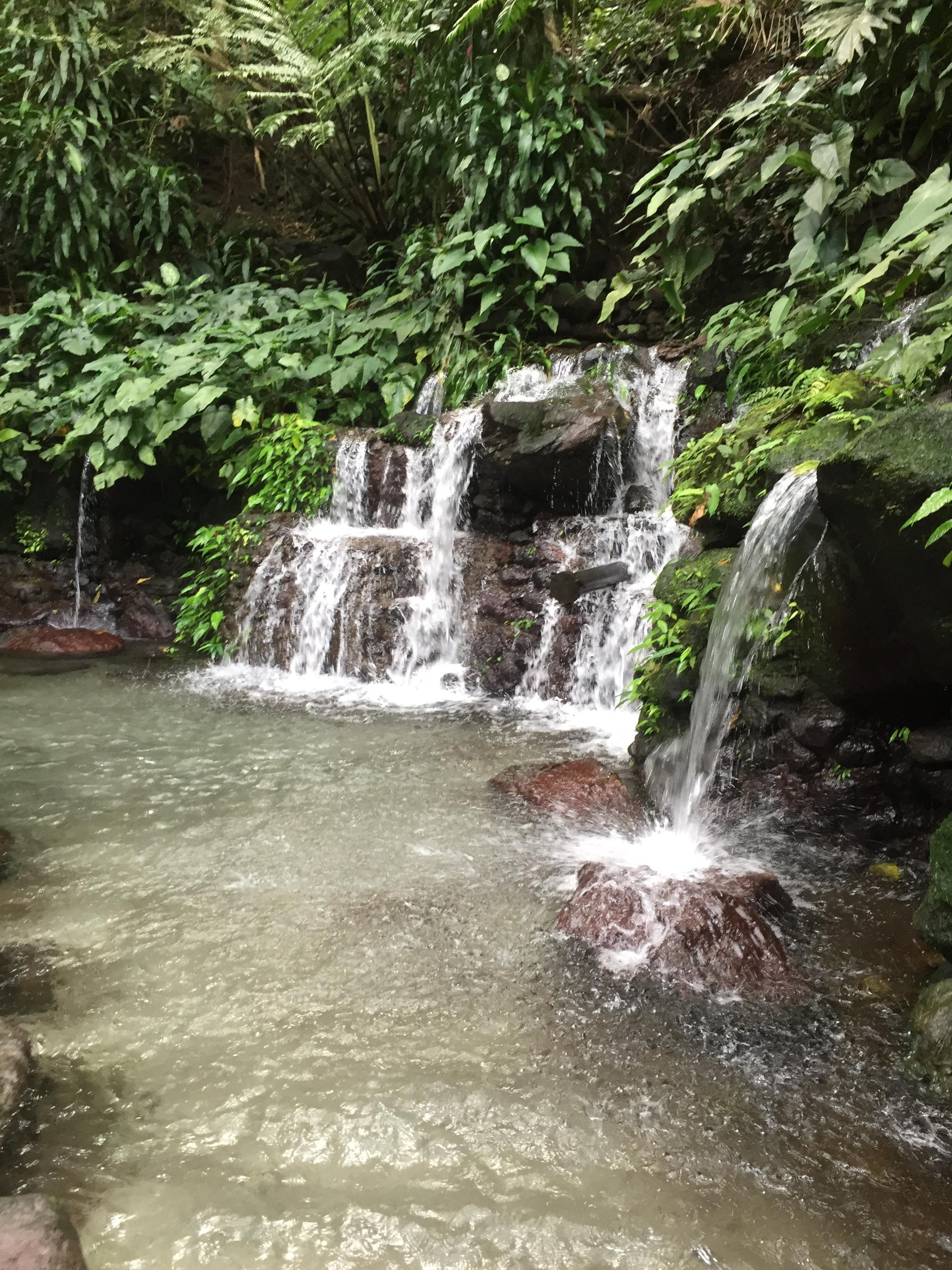 Les cascades du grand bassin (1,60 m de profondeur)