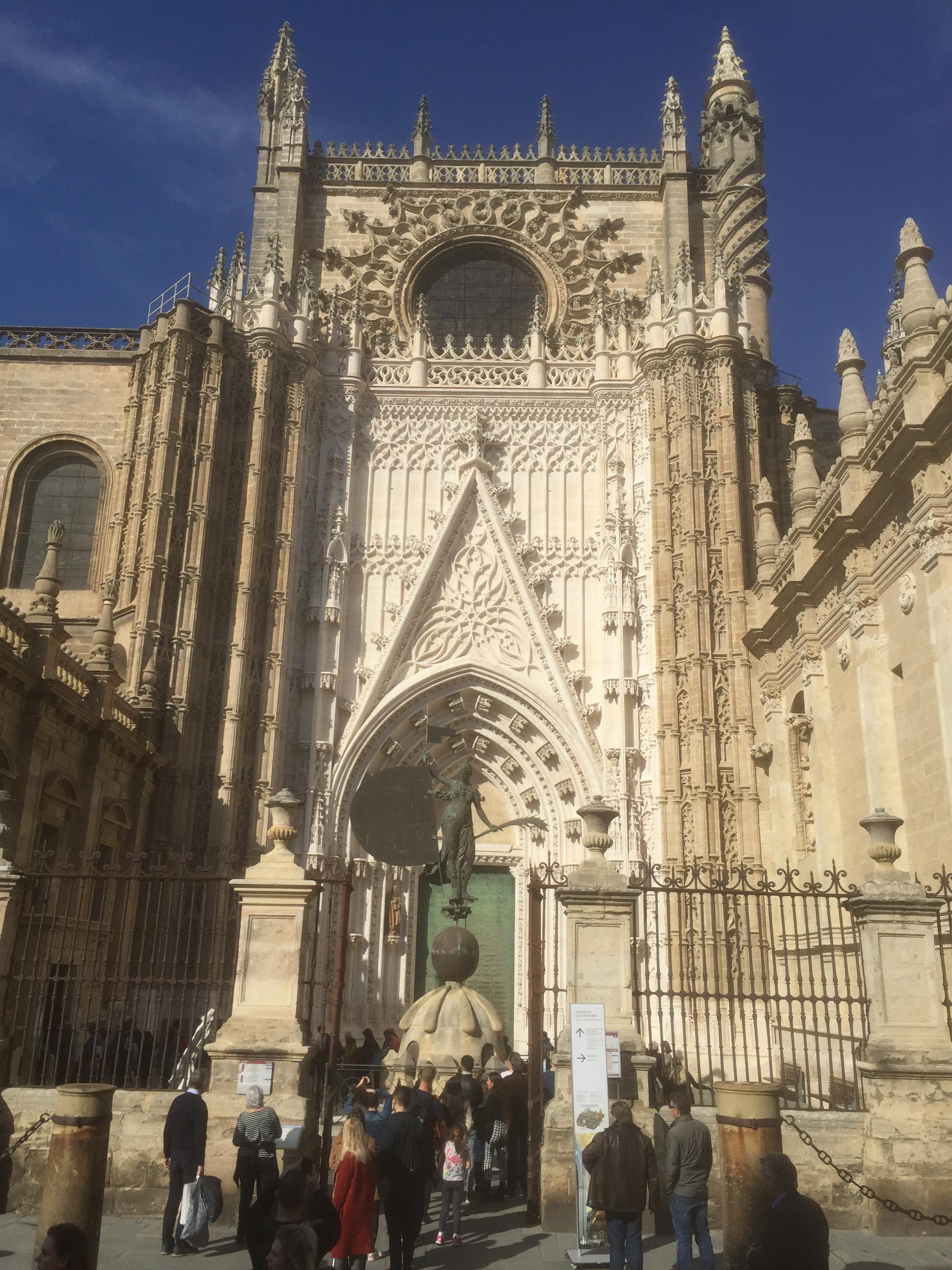 Avec ses 132 mètres de long, c'est la plus grande cathédrale d'Espagne