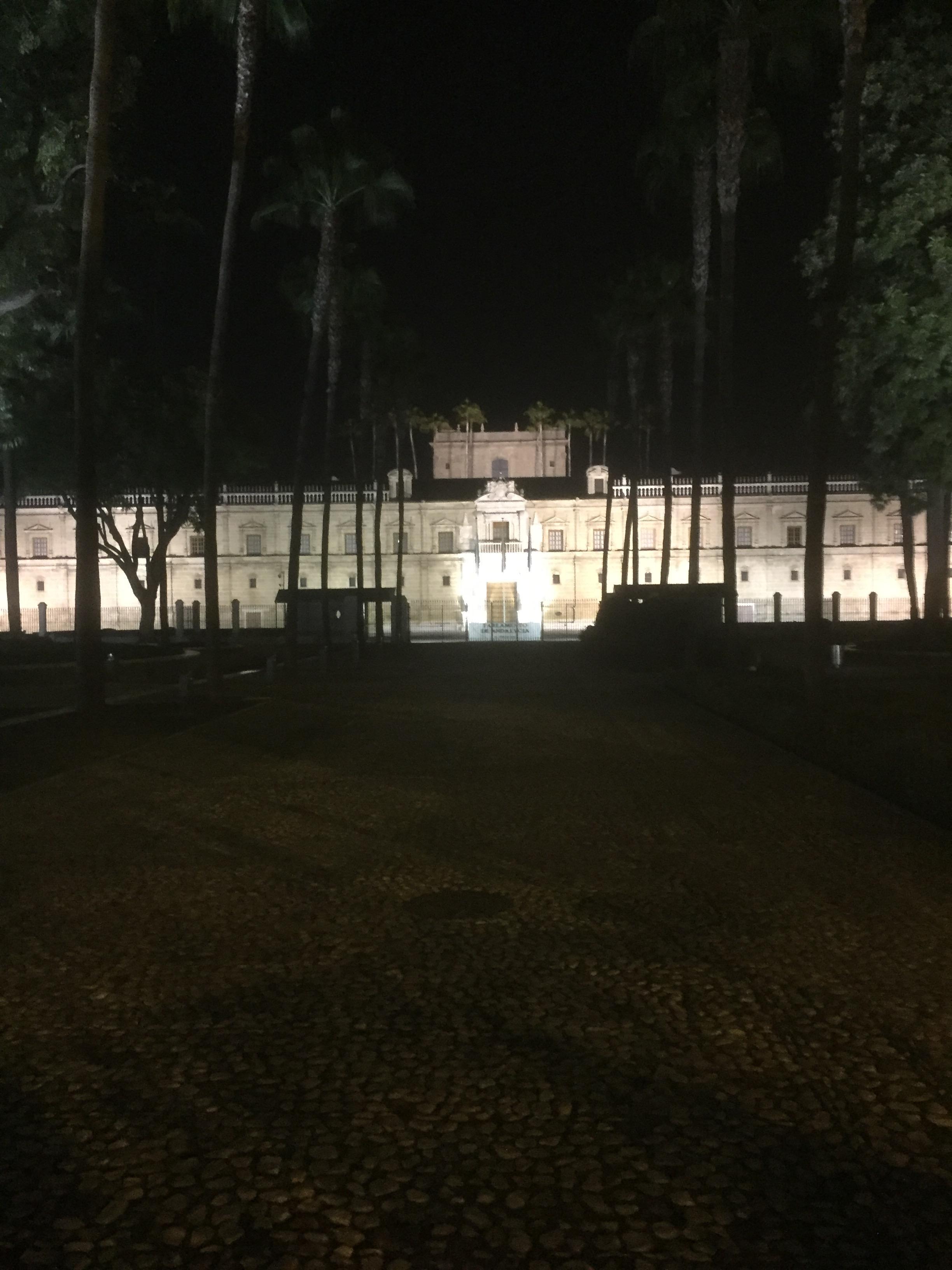 Le parlement d' Andalousie le soir.