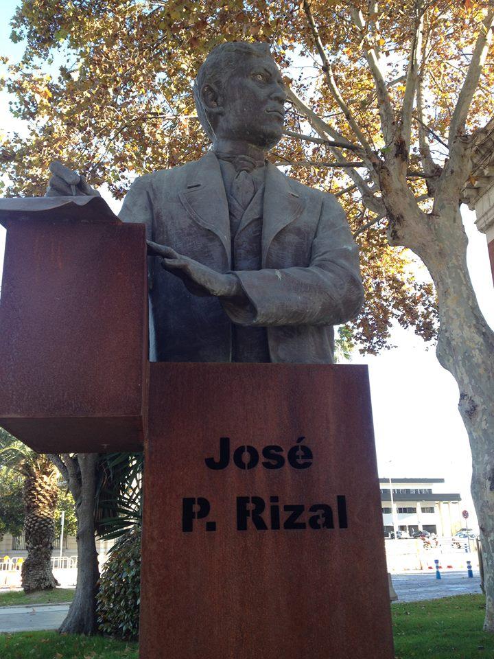 Statue de José Rizal offerte par l'Ambassade des Philippines