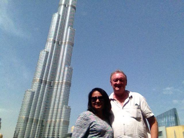 Clair et moi devant Burj Khalifa