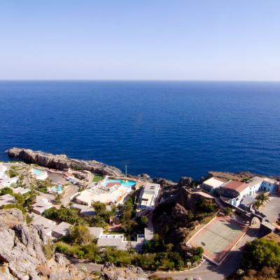 A crete 7