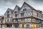 Dijon old town adobestock 307211759 borisb17 1120x490